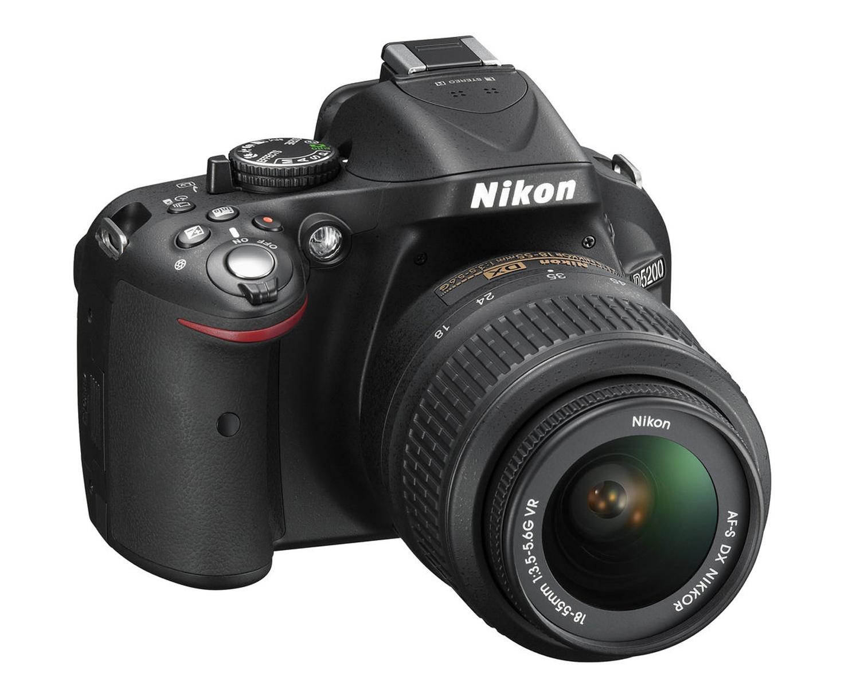D5200 Digital SLR Camera with 18-55mm Lens Refurbished