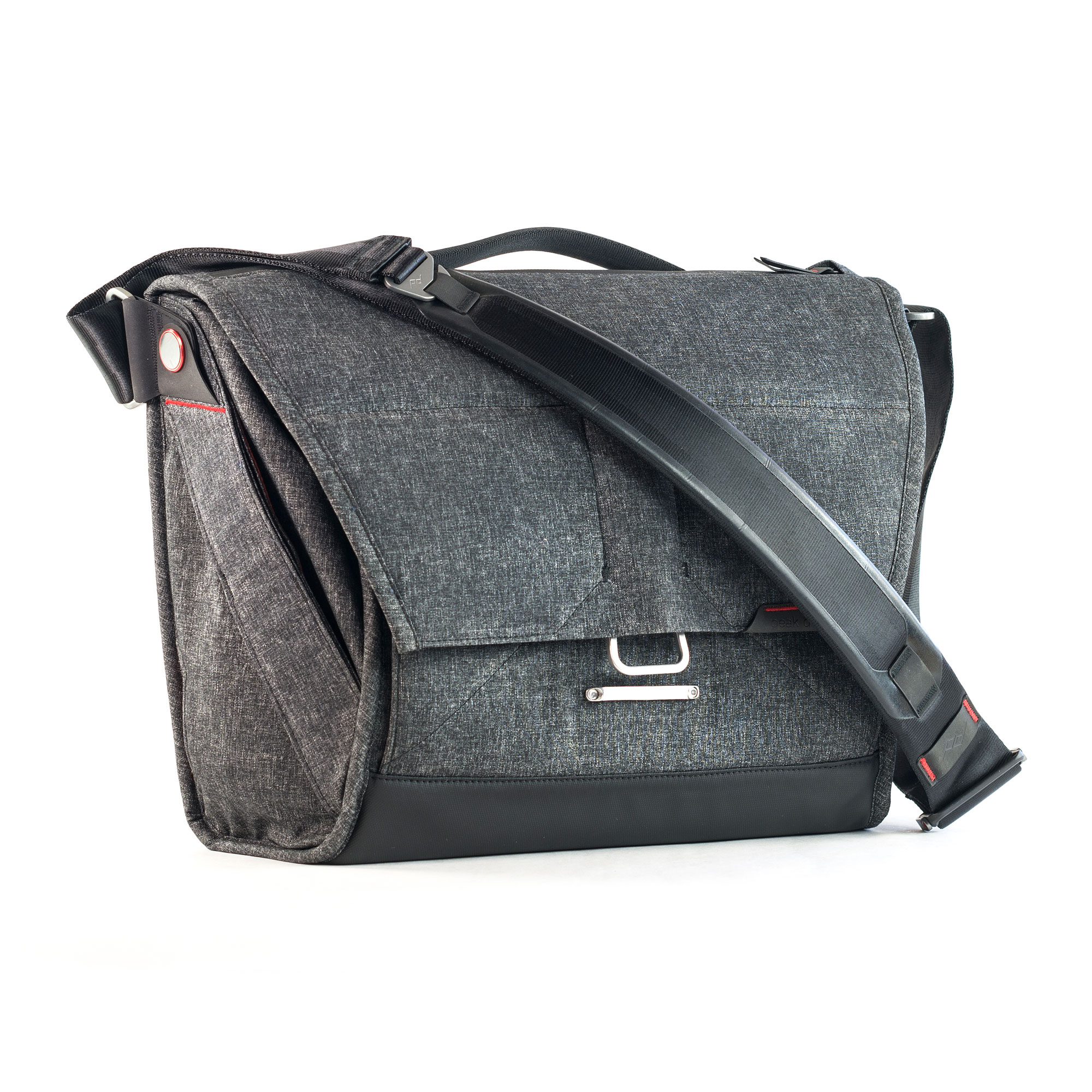 13 In. Everyday Messenger Charcoal