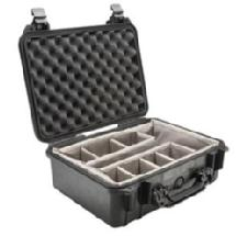 Pelican 1450 Medium Watertight Hard Case with Padded Dividers (Black)
