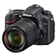 Nikon D7100 Digital SLR Camera with AF-S DX NIKKOR 18-140mm f/3.5-5.6G ED VR Lens