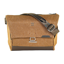 15 In. Everyday Messenger Bag (Heritage Tan) Image 0