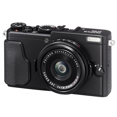 X70 Digital Camera (Black) Image 0