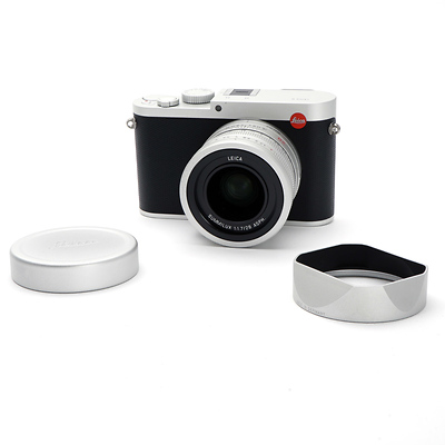 Q (Typ 116) Digital Camera (Silver Anodized) - Open Box Image 0