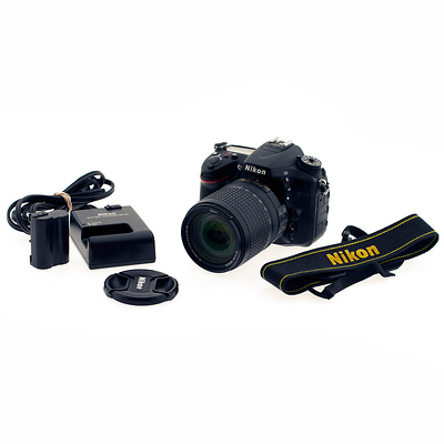 D7100 Digital SLR Camera with AF-S DX NIKKOR 18-140mm f/3.5-5.6G ED VR Lens - Used Image 0