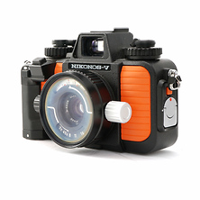 Nikonos V Underwater Camera with 35mm f/2.5 Lens - Used Image 0